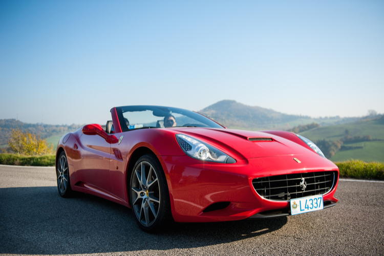 Ferrari in Die Top 5 der Woche: Versicherungen