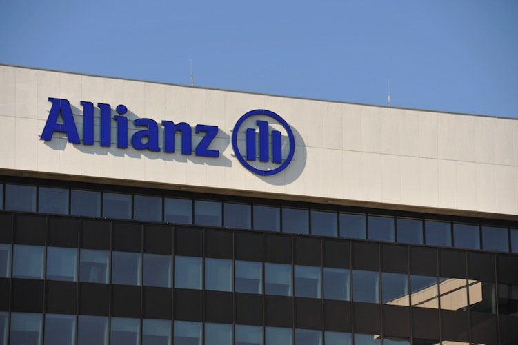 Shutterstock 1226077540 AllianzHamburg in Allianz baut mit Partner Investitionsplattform in Asien auf