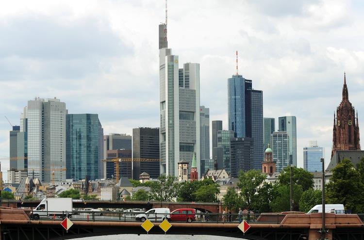 25913489 in Aufruhr vor Basel IV: Politik muss die Fesseln lösen