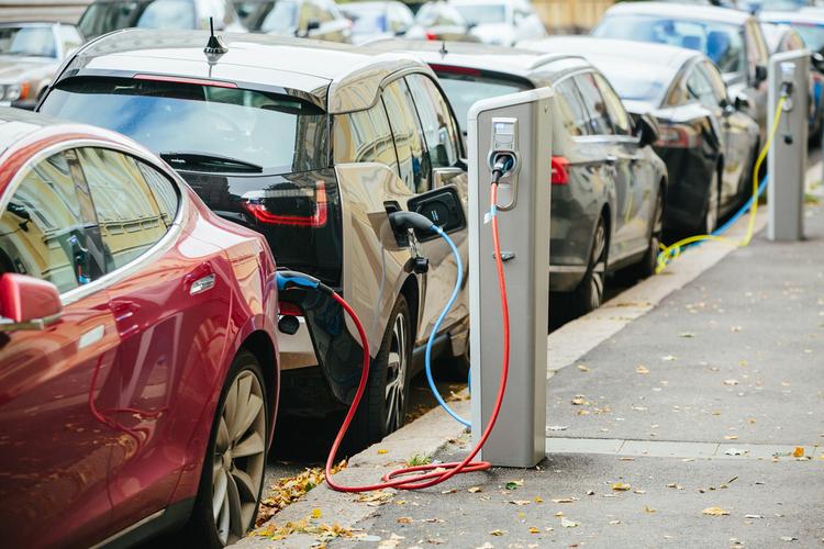Kfz-Versicherung: Elektroautos teilweise deutlich günstiger