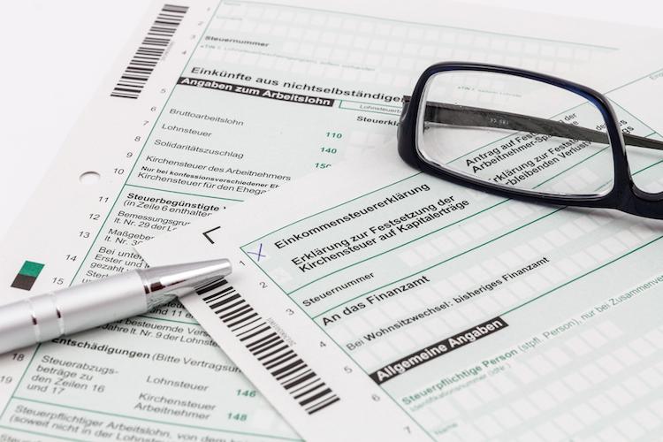 Shutterstock 240365191 in 76% der Deutschen wollen Abschaffung der Rentensteuer