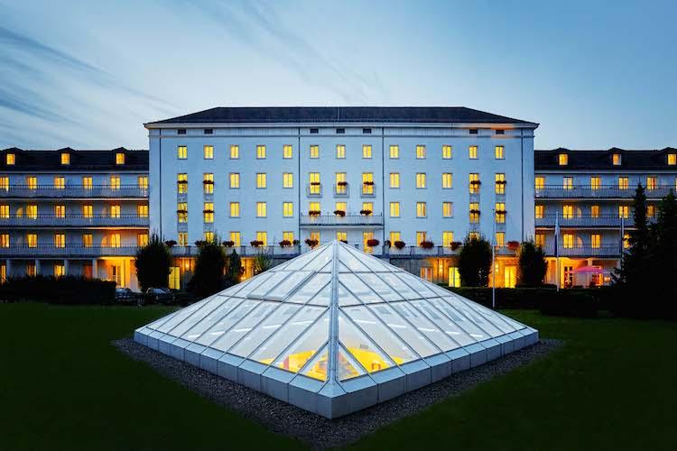 """H-hotels Aussenansicht-nacht-01-hplus-hotel-friedrichroda Original-kommerz -Nutzung- Dc5fcc2b in G.U.B. Analyse: """"A+"""" für DFV Hotelinvest 6"""