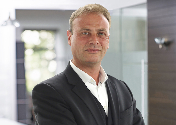 Paribus Burger Roman Managing-Director Portrait in Paribus gründet Tochtergesellschaft in den Niederlanden