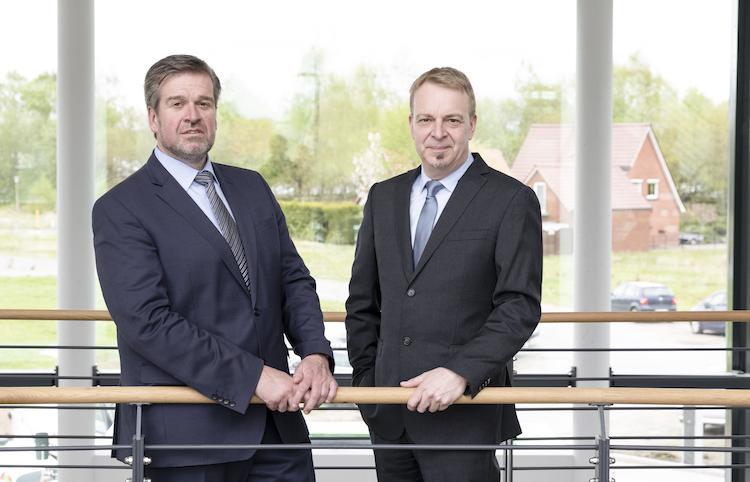 Vorstand-Ammerl Nder-Versicherung Axel-Eilers-Vorsitzender Gerold-Saathoff-Vertrieb in Ammerländer: Auf dem Weg zur 600.000 Kunden-Marke