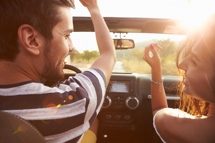 Shutterstock 229736875 in R+V bietet Flatrate für Fahranfänger