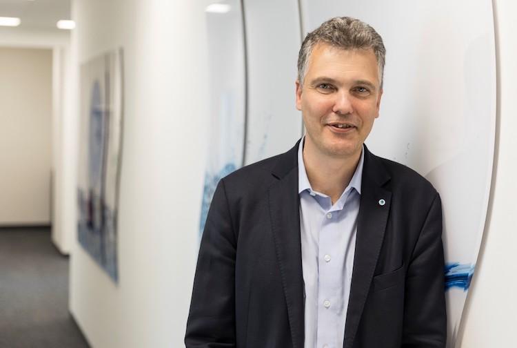 Dr -Schneidemann-Portrait in Die Bayerische senkt und bleibt dennoch über Branchenniveau
