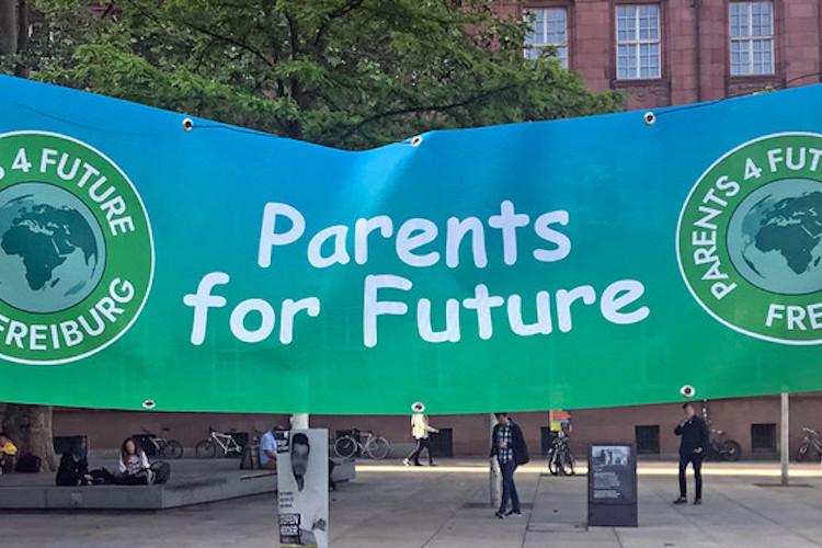 Csm Parents-for-future 9fa4c6f0e9-1 in ÖKOWORLD bietet Eltern und Großeltern den passenden politischen Investmentfonds
