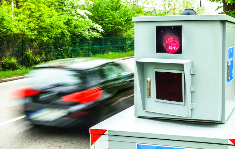 Shutterstock 1111619474 in Achtung Rotlicht: Die Automodelle der Punktesammler