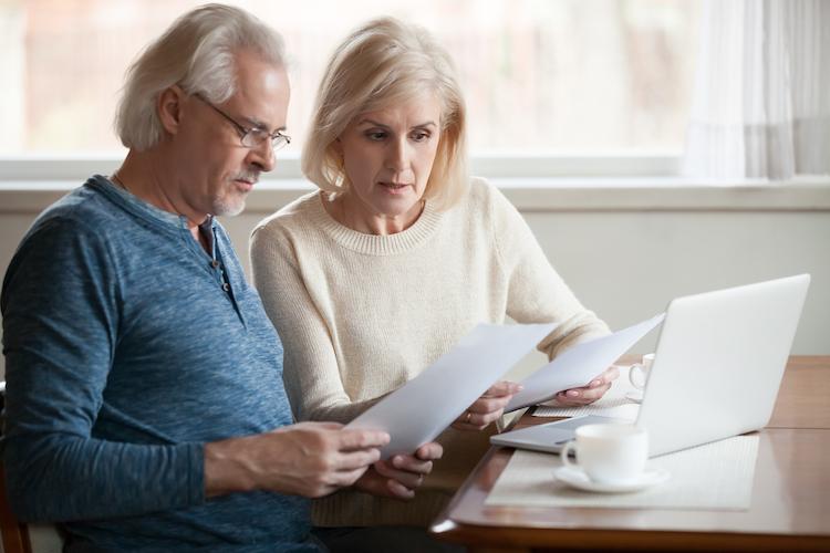 Shutterstock 1185179293 in Wohnkosten sind für immer mehr ältere Menschen in Deutschland eine Belastung