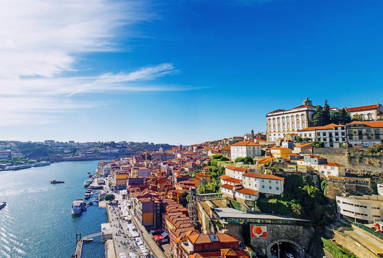 Shutterstock 572018059 in Aquila Capital steigt in den portugiesischen Immobilienmarkt ein