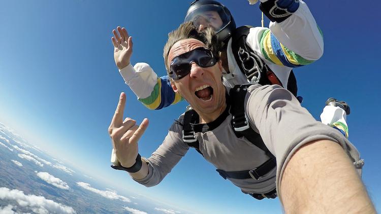 Shutterstock 590082914 in Hobbysportler leben gefährlich: Wer zahlt bei Unfällen?