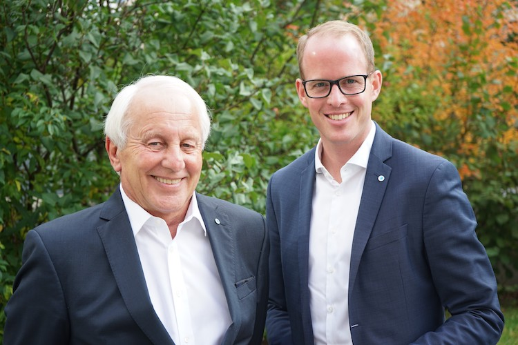 10-Ju Rgen-Reinhardt-und-Michael-Panitz in Neuer Leiter des Exklusivvertriebs bei der Bayerischen