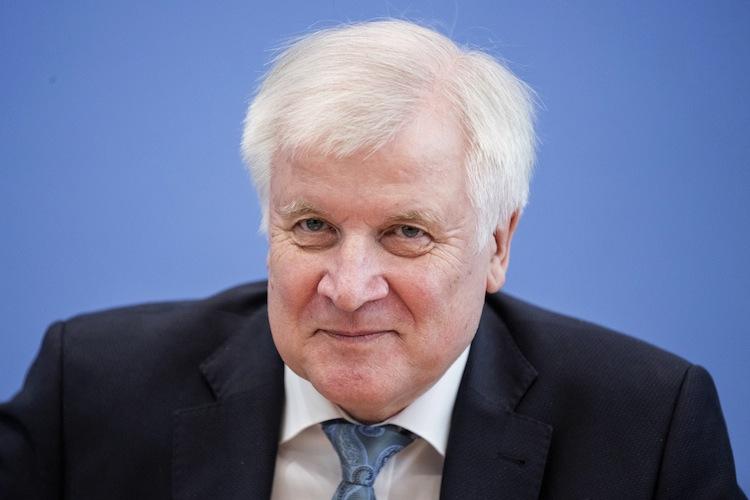 125656365 in Wuchermieten verbieten: Mieterbund unterstützt Bauminister Seehofer