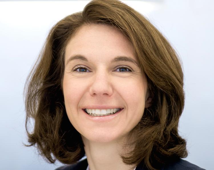 Dr -Thomas-Stephanie 300dpi Copyright Monique-De-Caro-Kopie in Steuerfalle Verkauf von Unternehmensanteilen