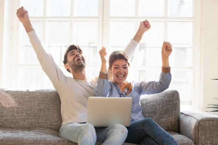 Shutterstock 13952769171 in Mit einer Umschuldung Geld sparen und finanziell entspannen