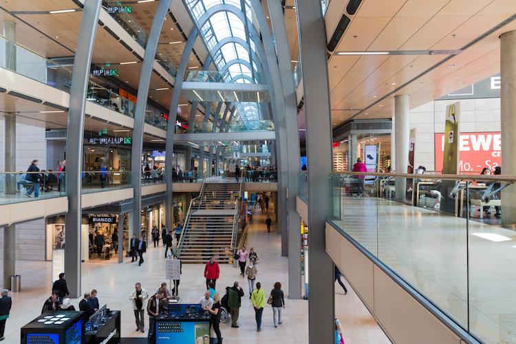 Shutterstock 143175613-1 in E-Commerce und stationärer Handel wachsen zunehmend zusammen