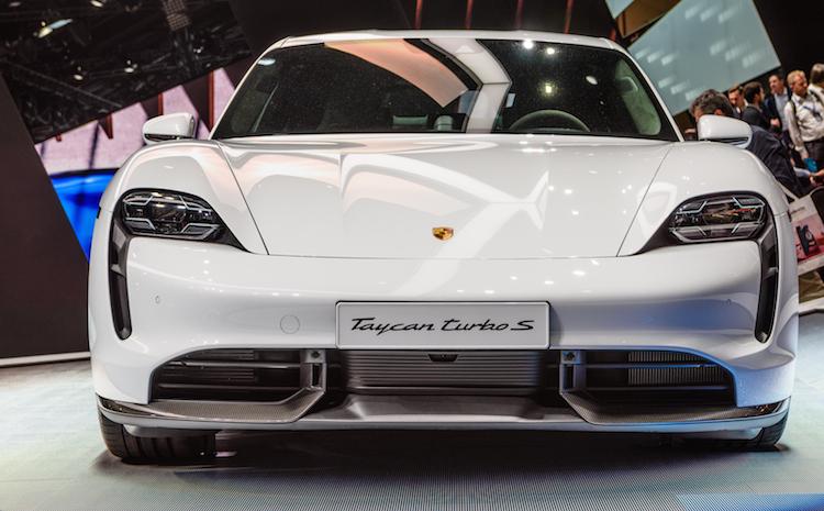 Shutterstock 1508899124 in Zurich versichert ersten vollelektrischen Porsche