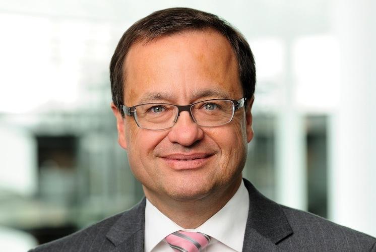 Wetzel Christoph Dr in Talanx forciert Einsatz von Robotik und Künstlicher Intelligenz