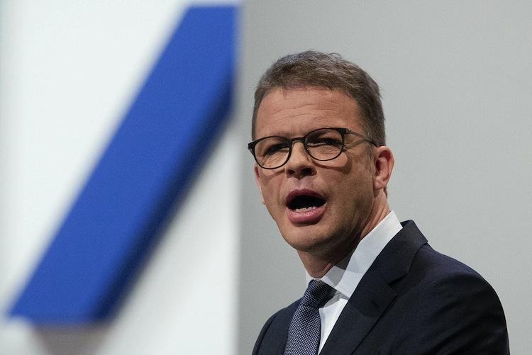 122111813 in Deutsche Bank kappt tausende Stellen im Privatkundengeschäft