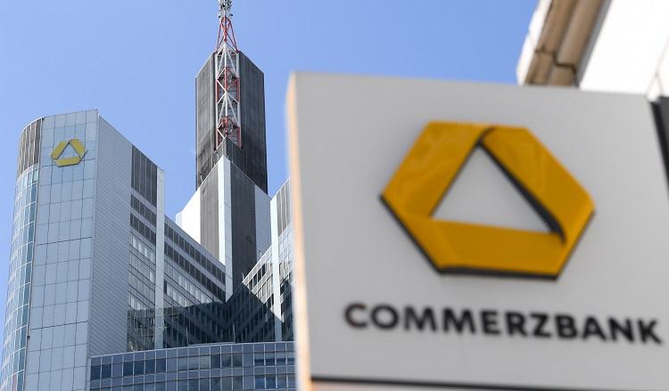 123212075 in Commerzbank führt Minuszinsen für manchen Firmenkunden ein