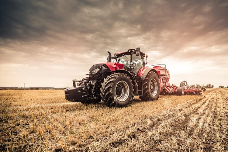 Shutterstock 1328708744 Traktor in Wenn sich Langfinger mit dem GPS-System vom Acker machen