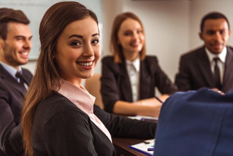 Shutterstock 347719775 in bAV: Junge Berufstätige wollen Unterstützung