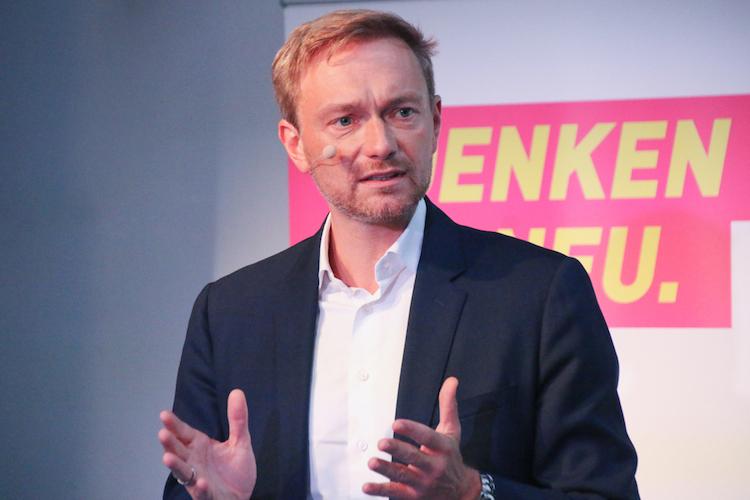 Shutterstock 716801761 in FDP lehnt EU-Nachhaltigkeitskriterien für die Finanzwirtschaft ab