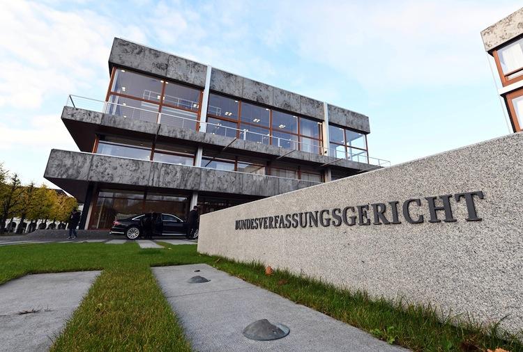 126332554 in Schwuler Rentner klagt erfolgreich gegen Ungleichbehandlung