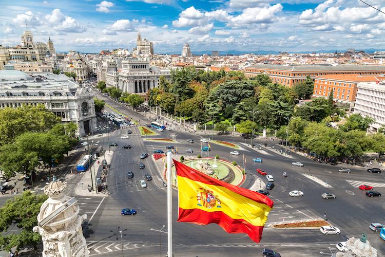Shutterstock 262331123 in Deutsche Finance Group mit Präsenz in Spanien
