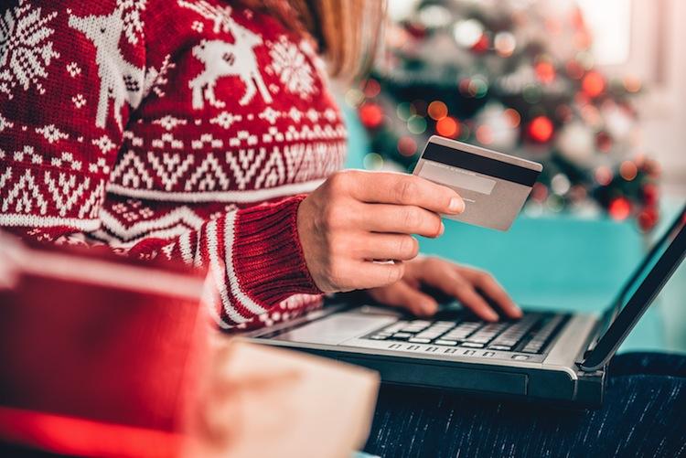 Shutterstock 745885264 Weihnachtsshopping in Cybercrime: So läuft der Paket-Betrug zur Weihnachtszeit