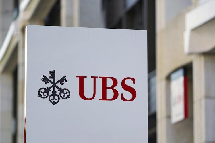 123678472 in UBS strafft Vermögensverwaltung für reiche Kunden