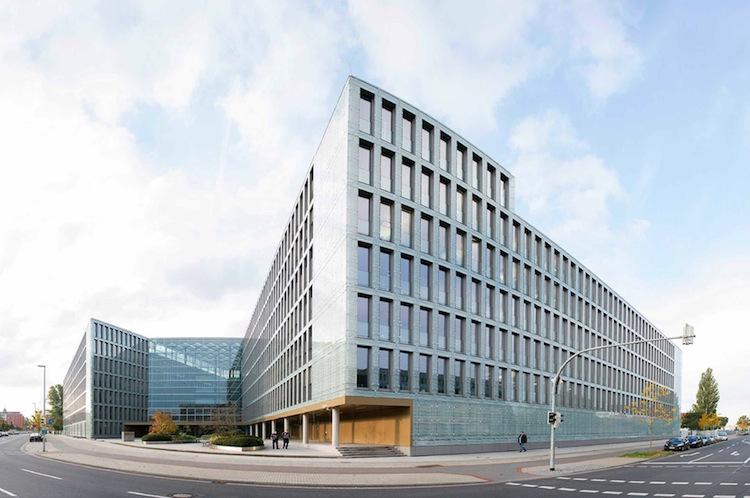 Neubau 1 in VHV verbessert Leistung ihrer Privathaftpflichtversicherung