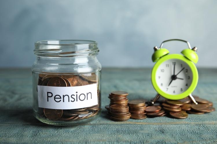 Rente Shutterstock 1445888828 in Scheidung und Tod: Gekürzte Rente kann wieder voll gezahlt werden