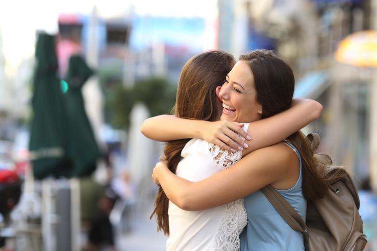 Umarmung Shutterstock 318255056 in Weltknuddeltag: Warum Umarmungen so gesund sind