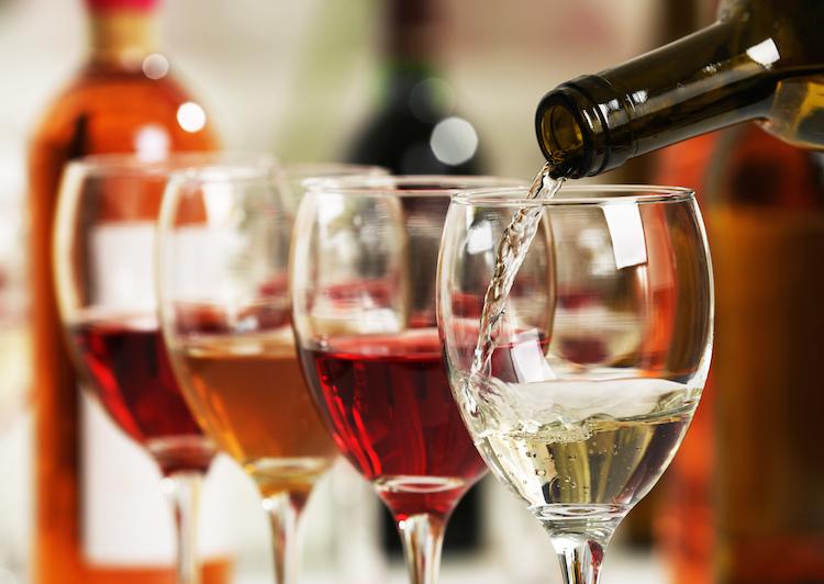 Wein in Winzerverband schlägt Schadenersatz statt Strafzölle auf Wein vor