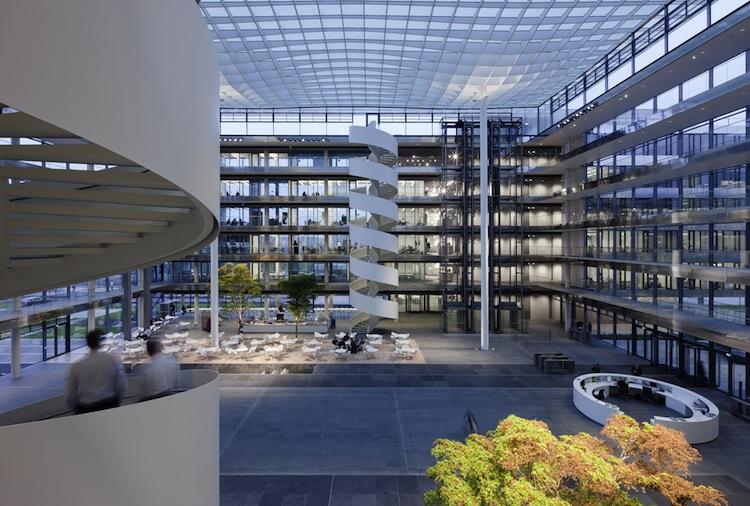 Zentrale HDI Platz 1 Innenansicht 1111 3 in Talanx kauft Solarpark in Spanien