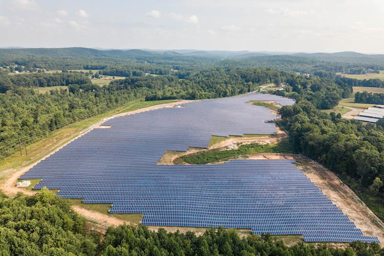 Hep Solarpark-Strider-ReNew-Petra in Hep bindet erste Solarprojekte in den USA an