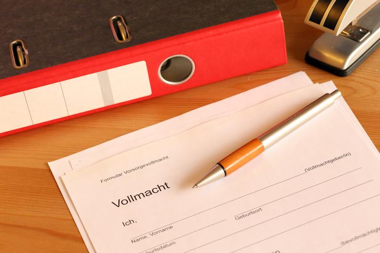 Shutterstock 1225062385 in Notfallvorsorge: Die 5 wichtigsten Vollmachten und Verfügungen
