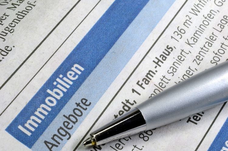Shutterstock 92236162 in Mansarde? Oder doch Poularde? Große Fragezeichen bei Immobilienbegriffen und Abkürzungen