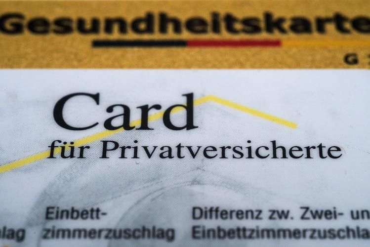 63514105 in Bürgerversicherung: GKV-Versicherte würden 145 Euro sparen