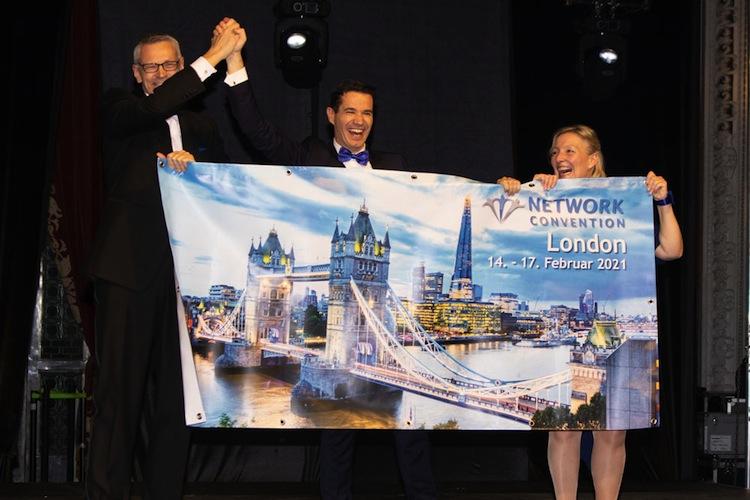 Lars-Dru Ckhammer Oliver-Pradetto Kerstin-Mo Ller-Schulz in London Calling: Blau-Direkt-Event 2021 in Großbritannien