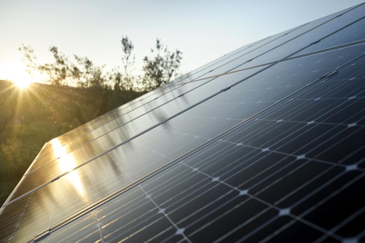 IStock 000016013689Medium in Thomas Lloyd startet Solarprojekt in Indien