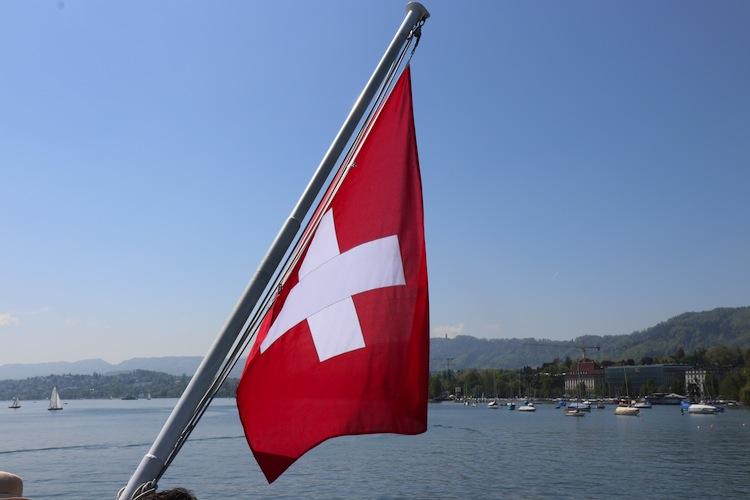 Shutterstock 1395784727 in Von Schweizer Banken Digitalisierung lernen