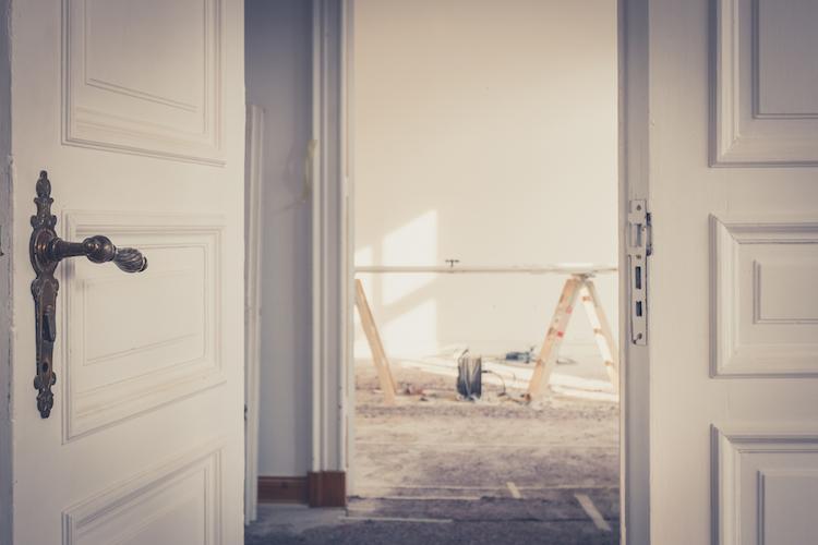 Shutterstock 774327199 in Modernisierungen: Verbrauchern droht Kündigung durch beauftragte Handwerker