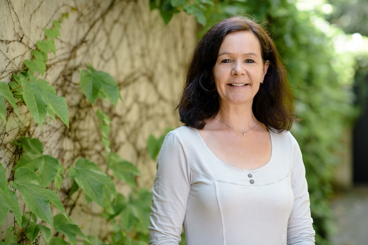 3851 Karin-Clemens in Corona: Panik ist kein guter Ratgeber