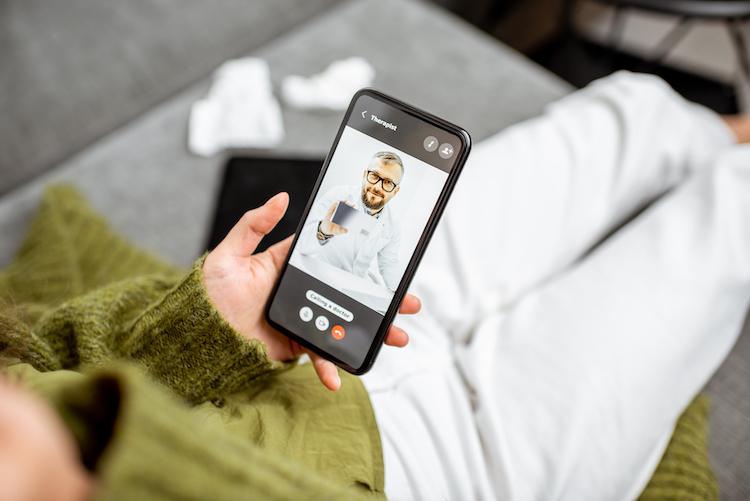 Telemedizin Shutterstock 1585488487 in Neuer Videochatdienst für Notfallpatienten