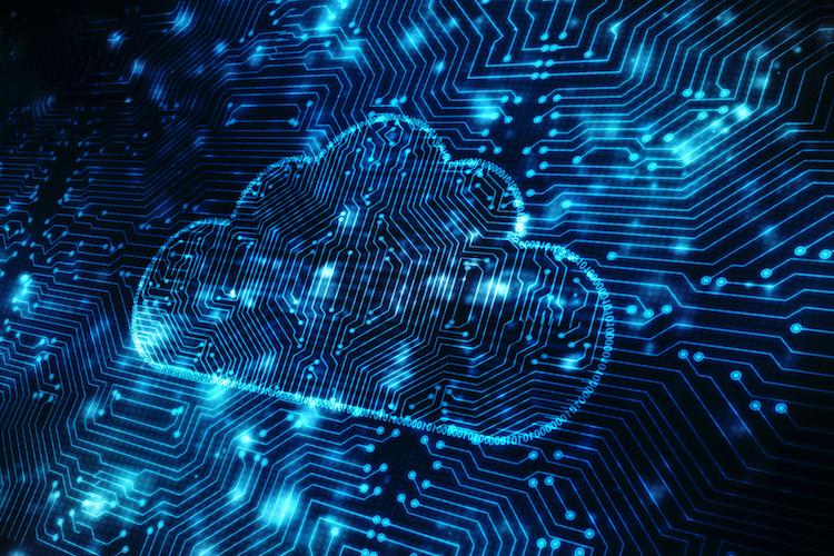 Shutterstock 622863563 in DISQ Cloud-Studie: Hotlines und E-Mail-Bearbeitung sorgen für Frust