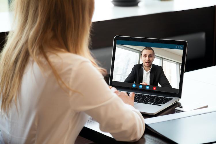 Shutterstock 699442555 in WhoFinance hilft bei der Suche nach Fördermittel-Beratern