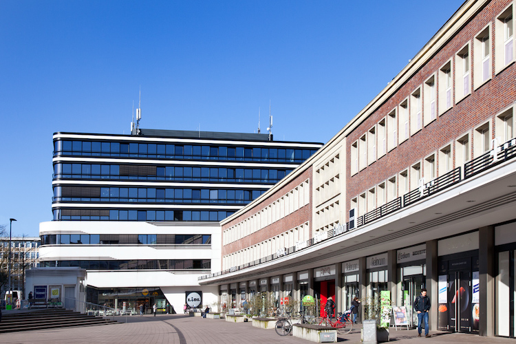 Pressebild Hahn Gruppe Eppendorf Center Hamburg in Hahn Gruppe kauft Stadtteilzentrum in Hamburg