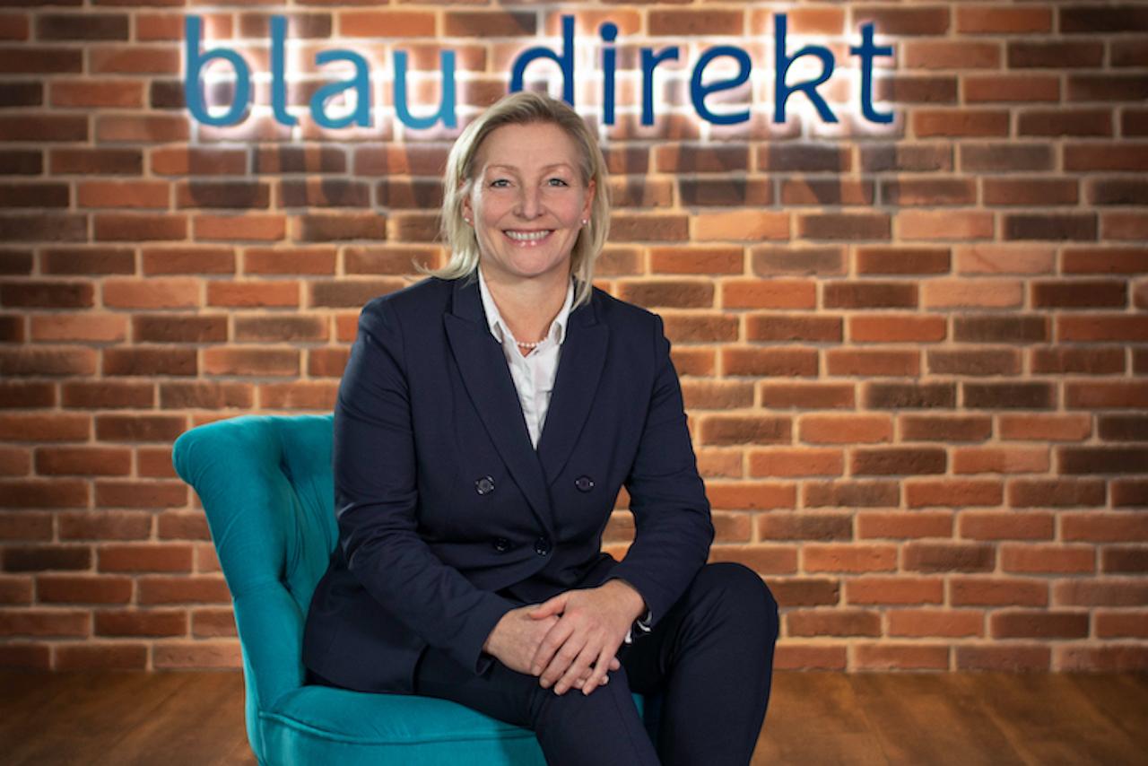 Pressefoto Kerstin-Moeller-Schulz in Storno-Entwicklung laut Blau Direkt unauffällig